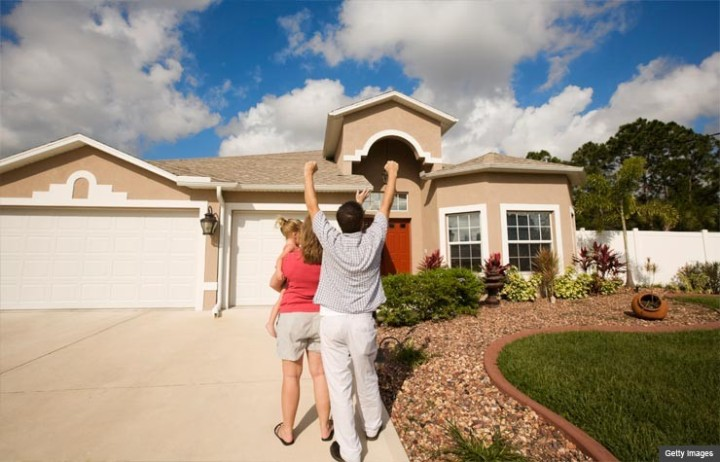 740-young-couple-purchases-first-home-esp.imgcache.rev1377682201557.web